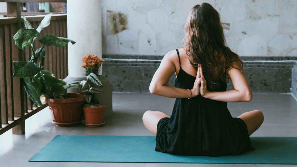 esencialne-oleje-joga-aromaterapia