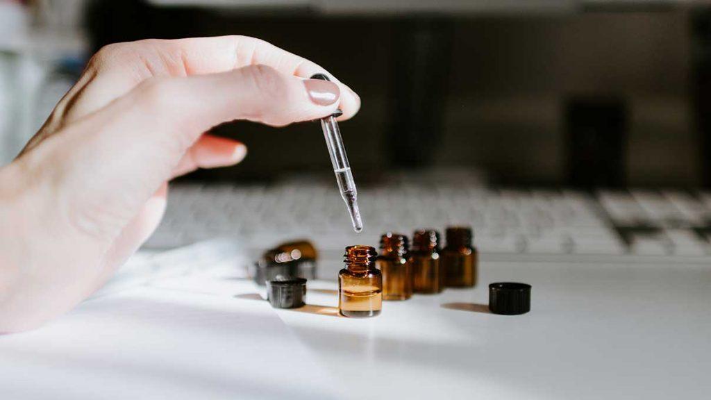 ako-riedit-esencialne-oleje-a-preco-je-to-dolezite-pura